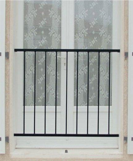 garde corps droit simple ser pug ferronnerie. Black Bedroom Furniture Sets. Home Design Ideas